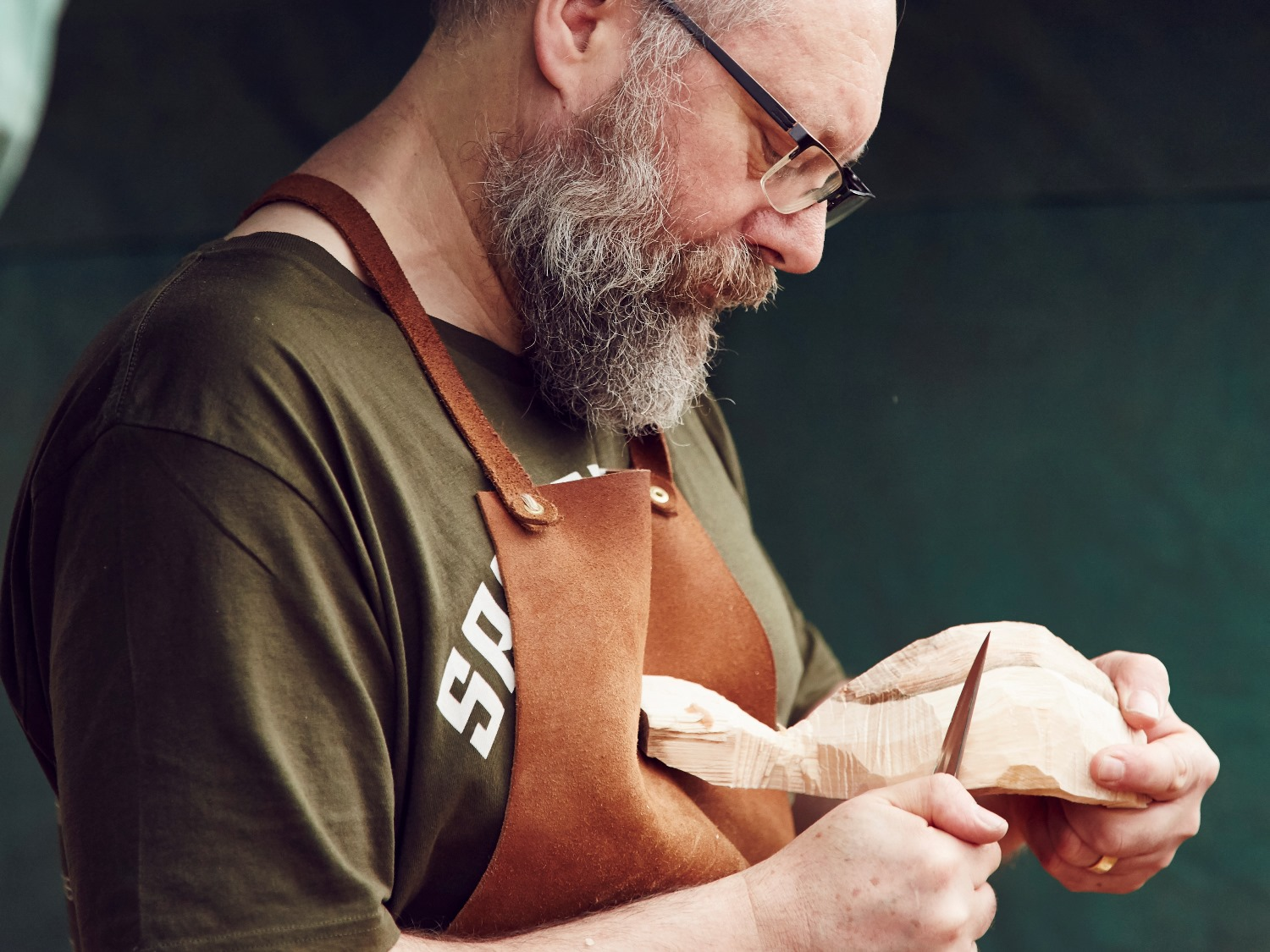 Spoon-carving workshop with Andrew Byam in West Sussex
