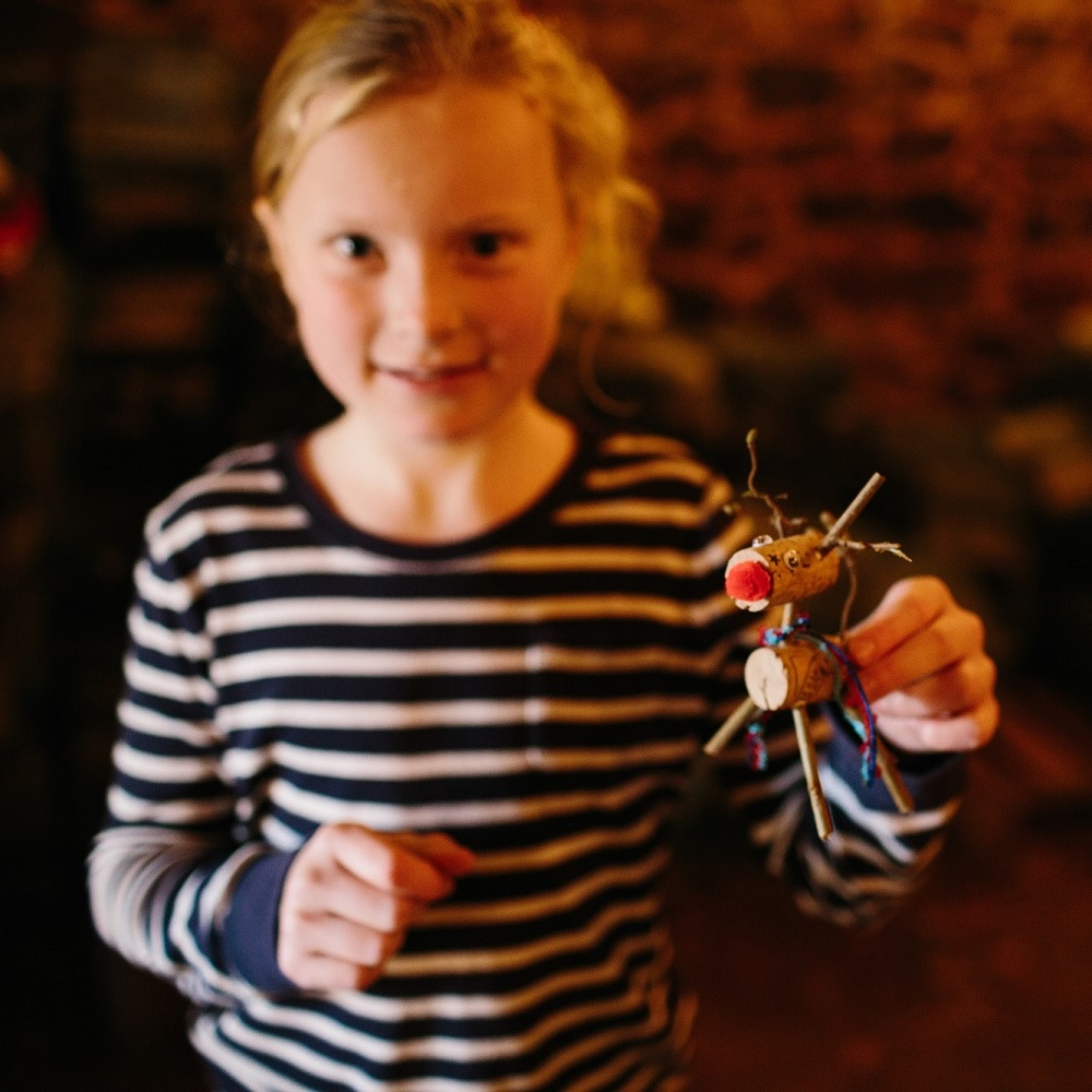 Children's Christmas decoration-making workshop in the Wild Sussex Wood Yard