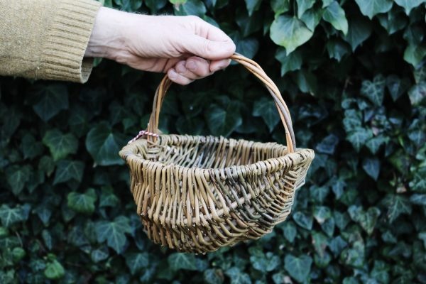 Frame basket hand-woven in Sussex